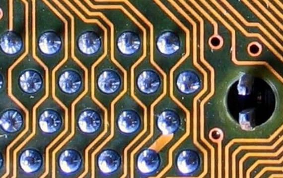 elektrigi-ileten-metal-m