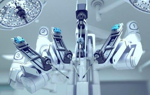 ameliyat-yapan-robot-