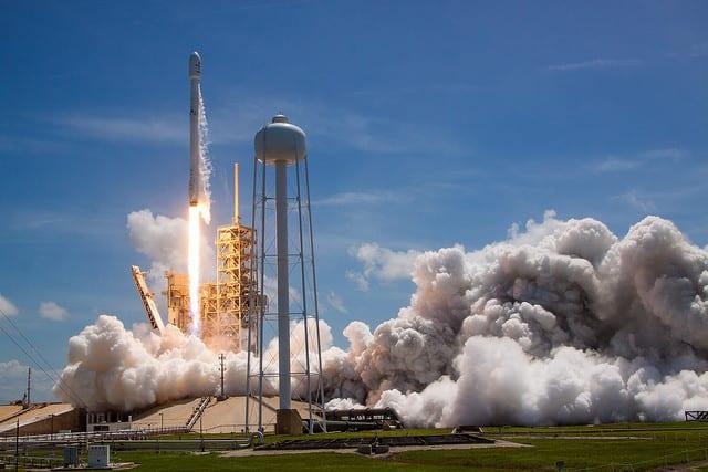 Falcon 9 Fırlatılış Anı
